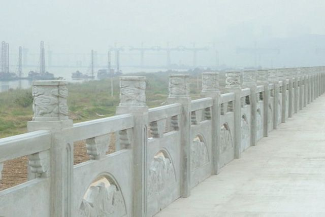 沱江河岸金鱼仿石本色栏杆