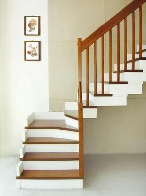 湖北武汉实木楼梯扶手整梯护栏踏步复式楼阁楼