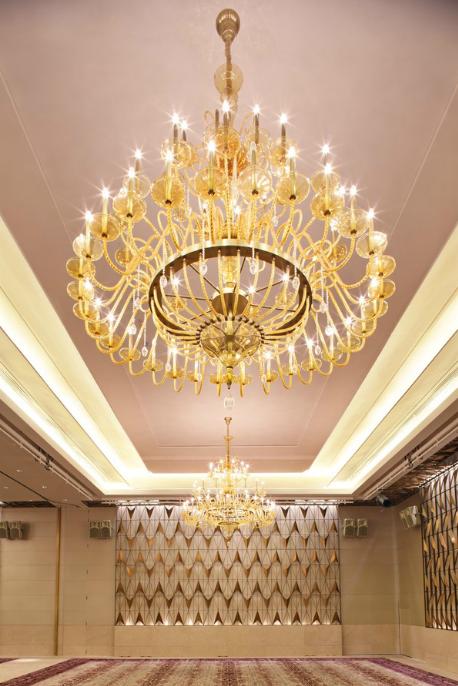 酒店大堂水晶吊灯