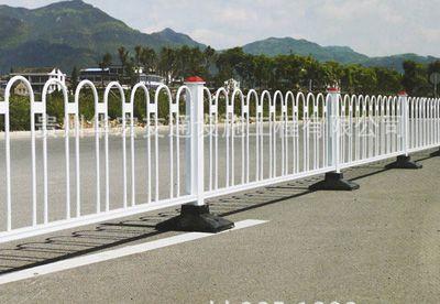 安顺京式道路隔离栅栏 人行道护栏 市政防护栏高清图片
