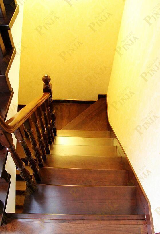 不会变形楼梯材质_传统中式风情楼梯_不会开裂柚木楼梯