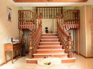 t型木楼梯设计形状_楼梯转角平台设计